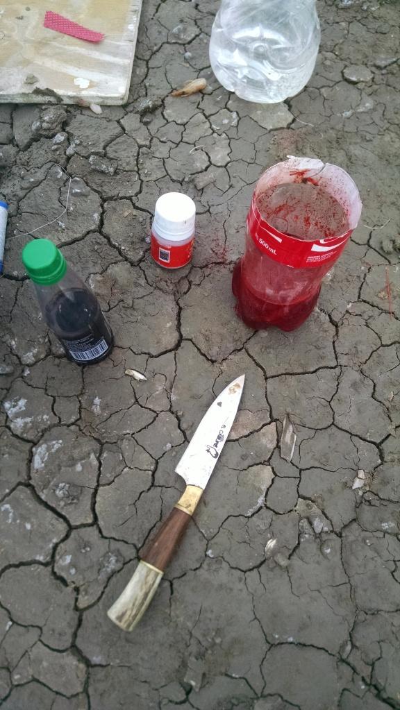 Esencia de vainilla y colorante rojo para pescar lisas.